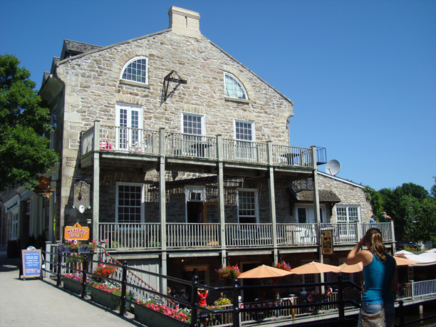 Perth (ON) Canada  city images : Popular restaurant at 55 Gore Street with terrace overlooking the Tay ...